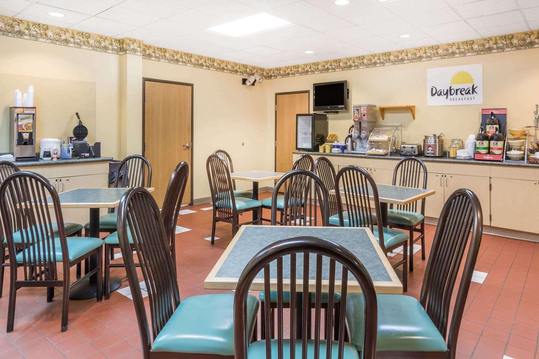 proam - Days Inn & Suites Bridgeport