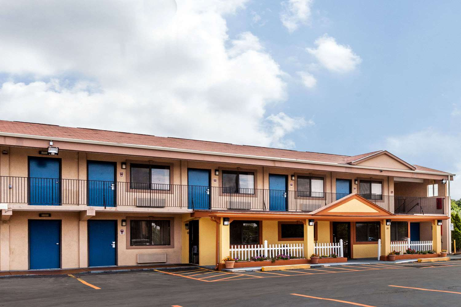 Exterior view - Days Inn Elkton