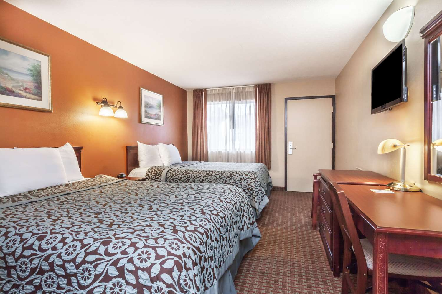 Room - Days Inn Elkton