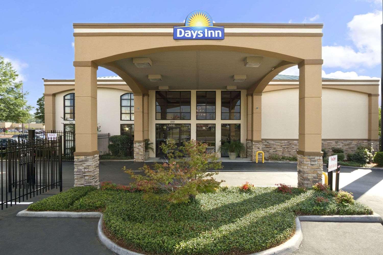 Exterior view - Days Inn Suites Tuscaloosa