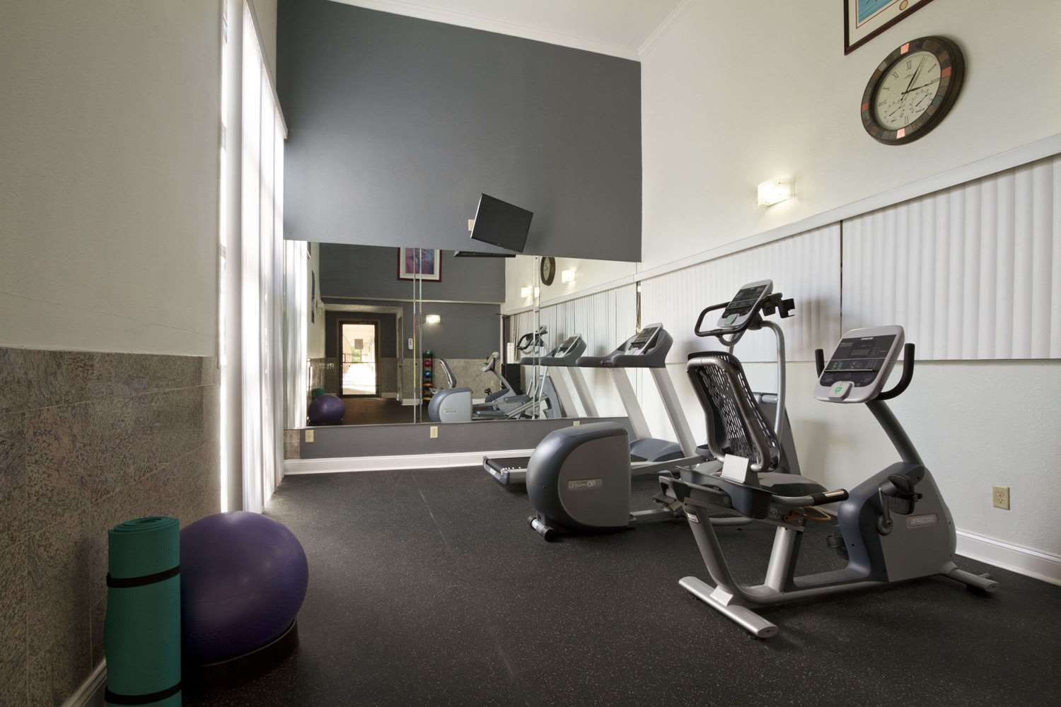 Fitness/ Exercise Room - Days Inn Suites Tuscaloosa