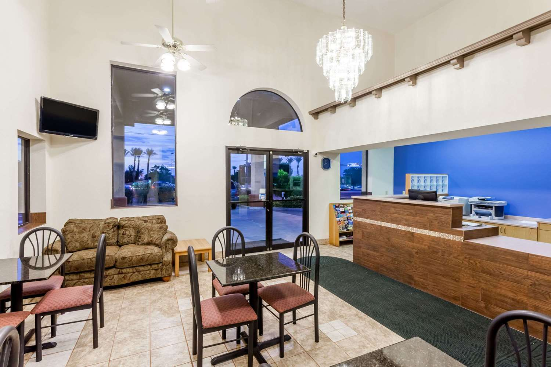 Lobby - Days Inn Yuma