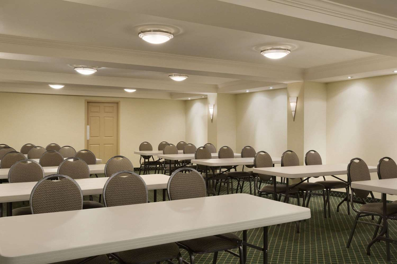 Meeting Facilities - Days Inn East Beaches Toronto