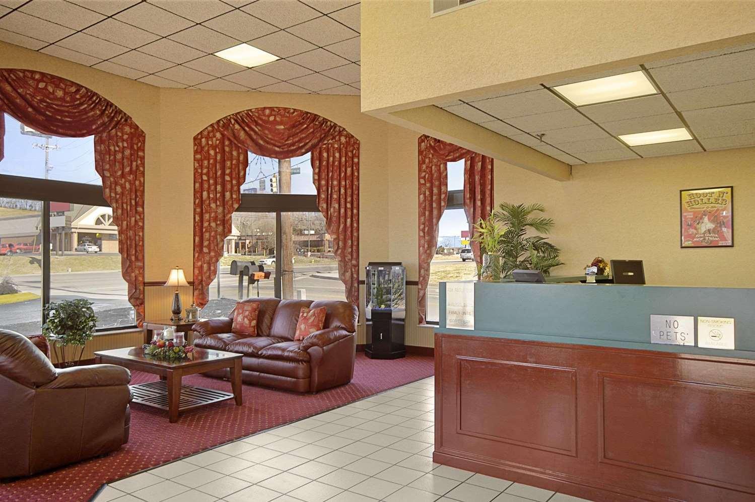 Lobby - Days Inn Sevierville