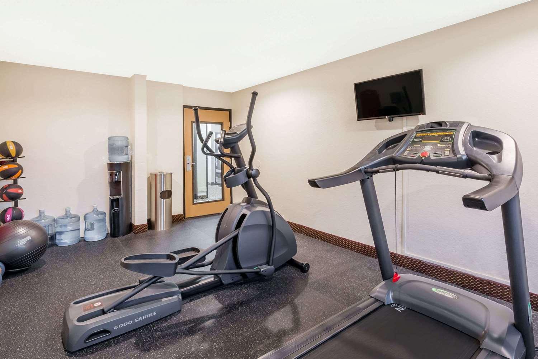 Fitness/ Exercise Room - Days Inn Ankeny