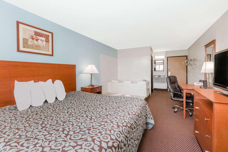 Room - Days Inn Ankeny