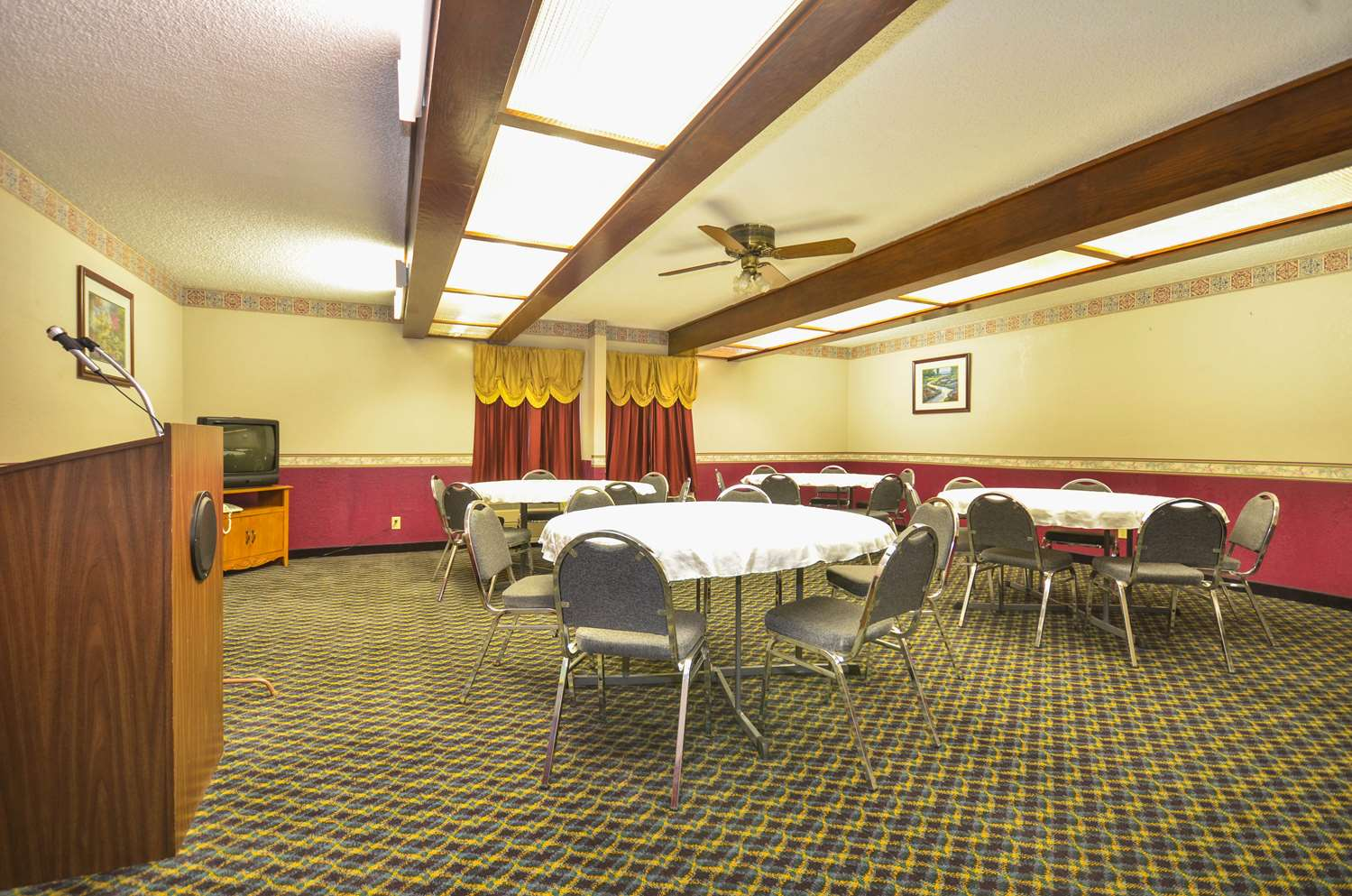 Meeting Facilities - Days Inn South Tulsa