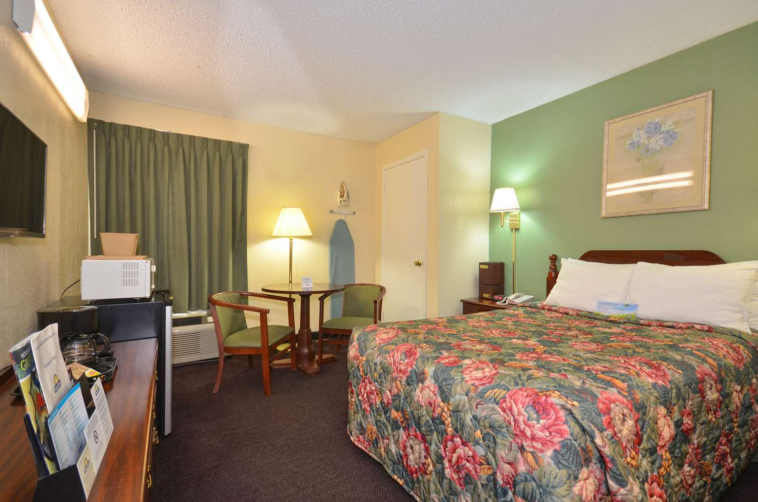Room - Days Inn South Tulsa