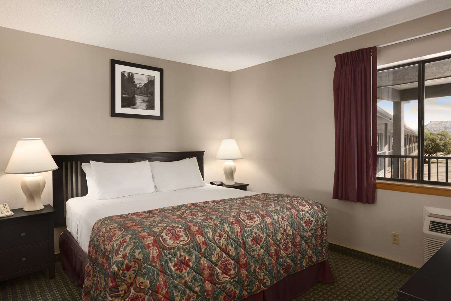 Room - Days Inn Cortez