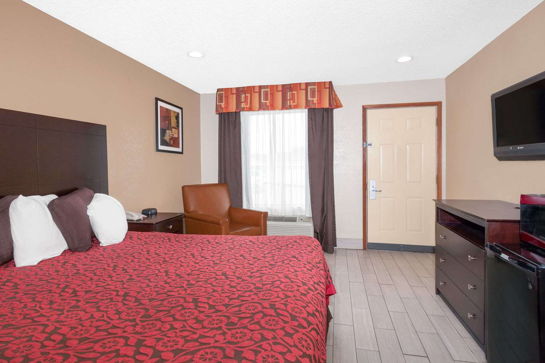 Room - Days Inn Arcadia