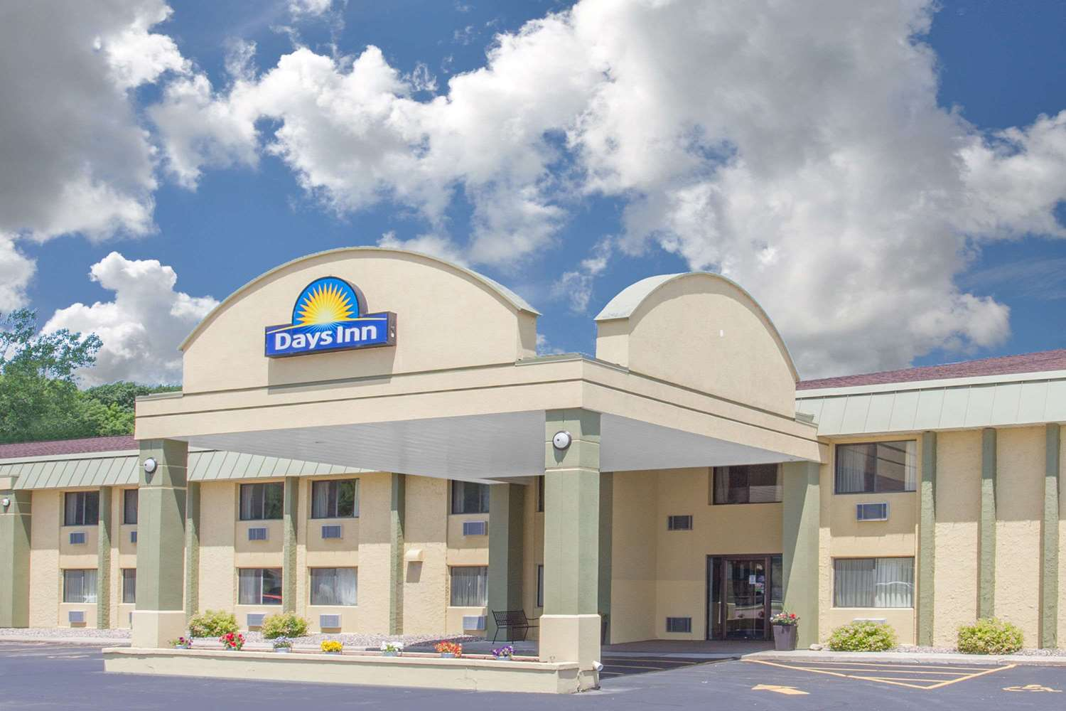 Exterior view - Days Inn Portage