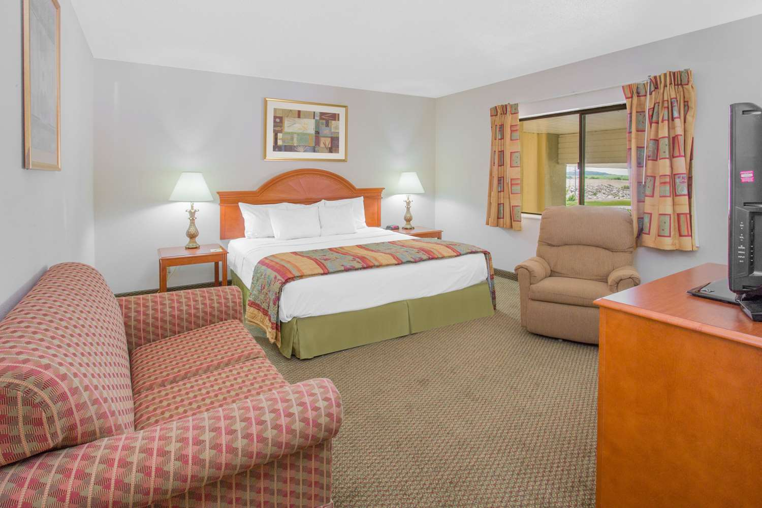 Room - Days Inn Portage