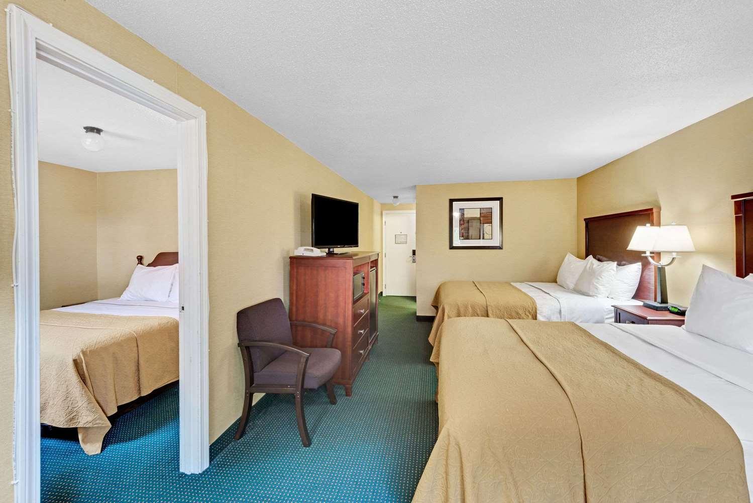 Suite - Ramada Inn Kittery