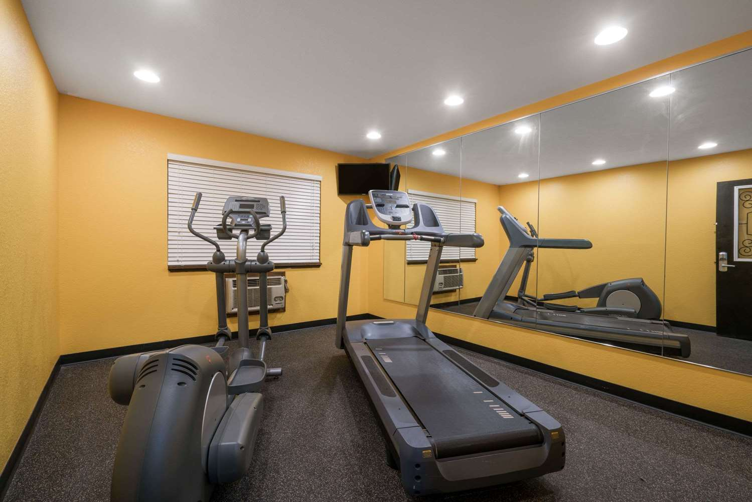 Fitness/ Exercise Room - Super 8 Hotel Rochester