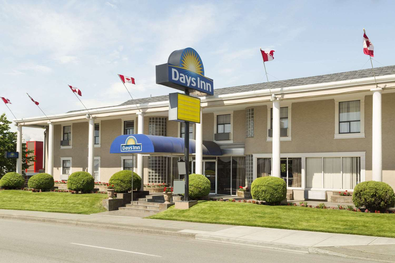 Exterior view - Days Inn Vancouver Metro Hotel