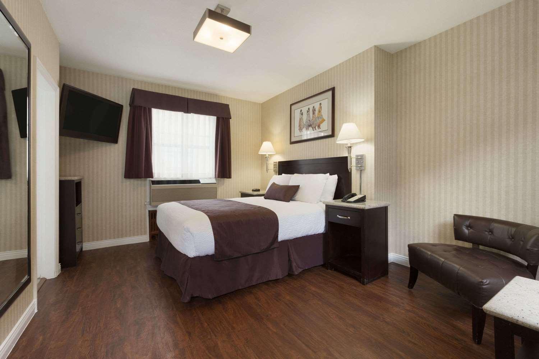 Room - Days Inn Vancouver Metro Hotel