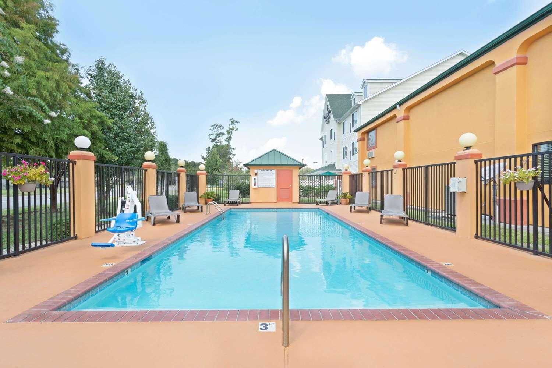 Pool - Super 8 Hotel Covington