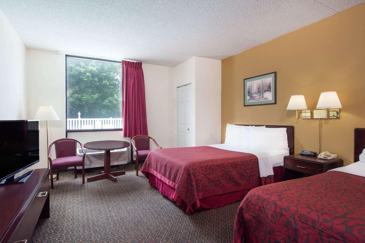 Room - Days Inn Chambersburg