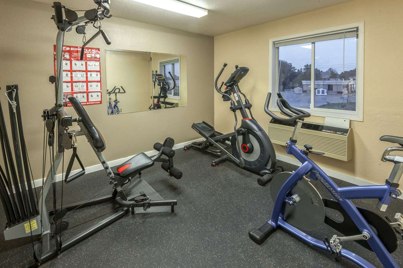 Fitness/ Exercise Room - Super 8 Hotel Strathmore