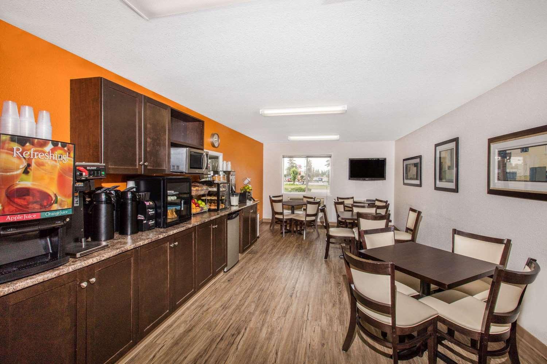 proam - Super 8 Hotel Strathmore