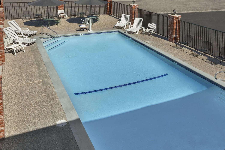 Pool - Super 8 Hotel Susanville