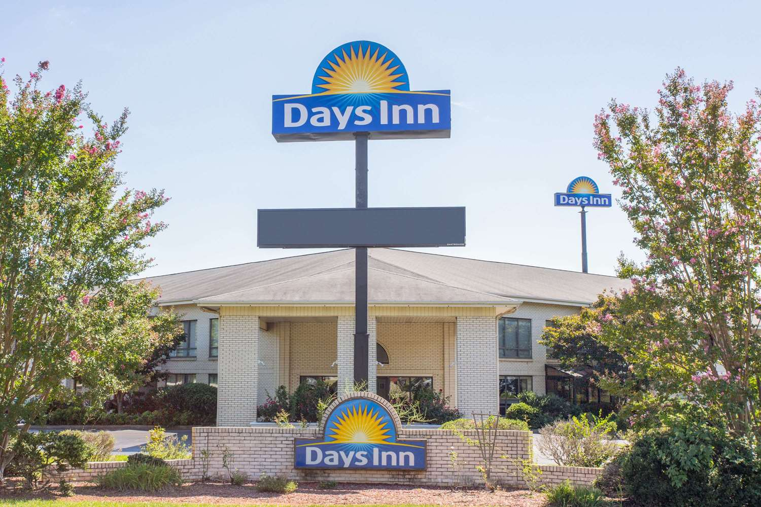 Exterior view - Days Inn Waccamaw Spartanburg