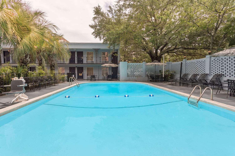 Pool - Days Inn Historic District Charleston