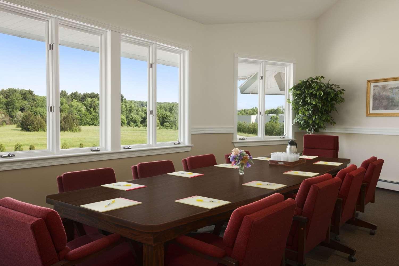 Meeting Facilities - Days Inn Shelburne