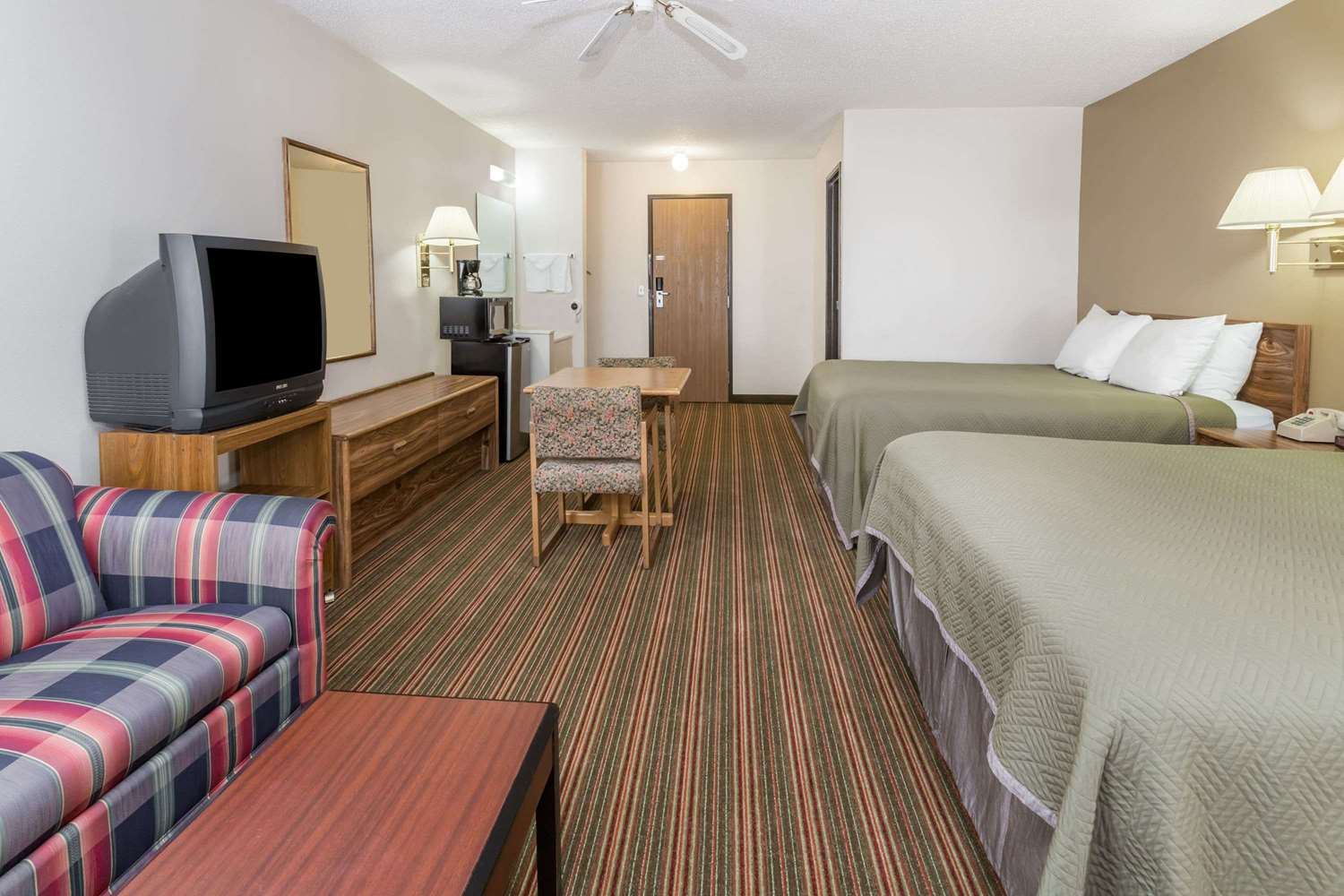 Suite - Travelodge Longmont