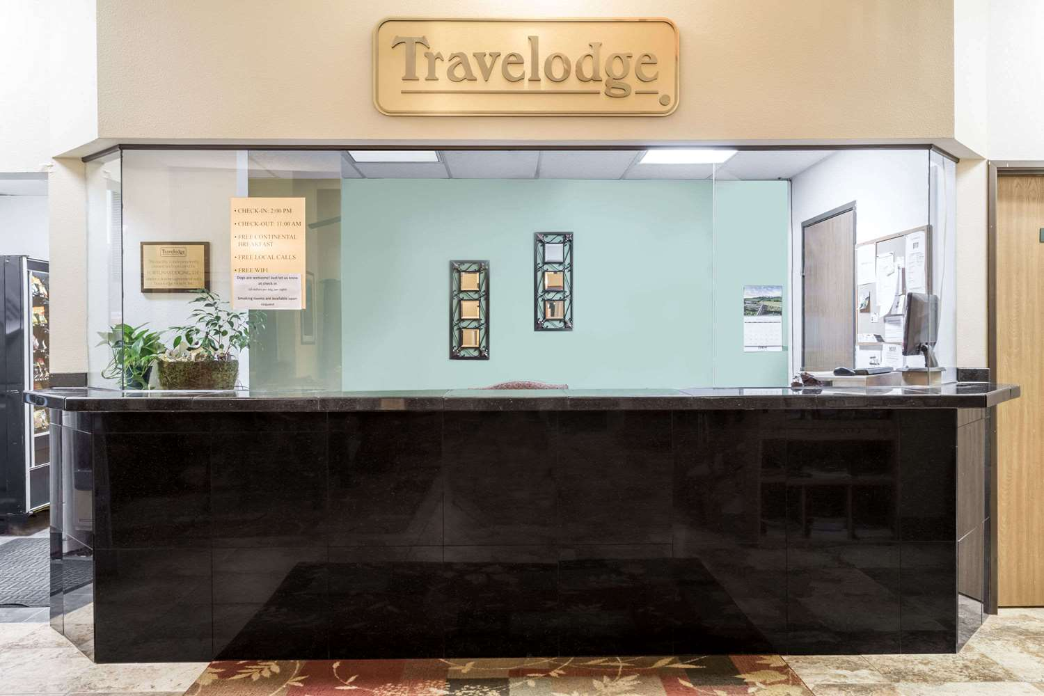 Lobby - Travelodge Longmont