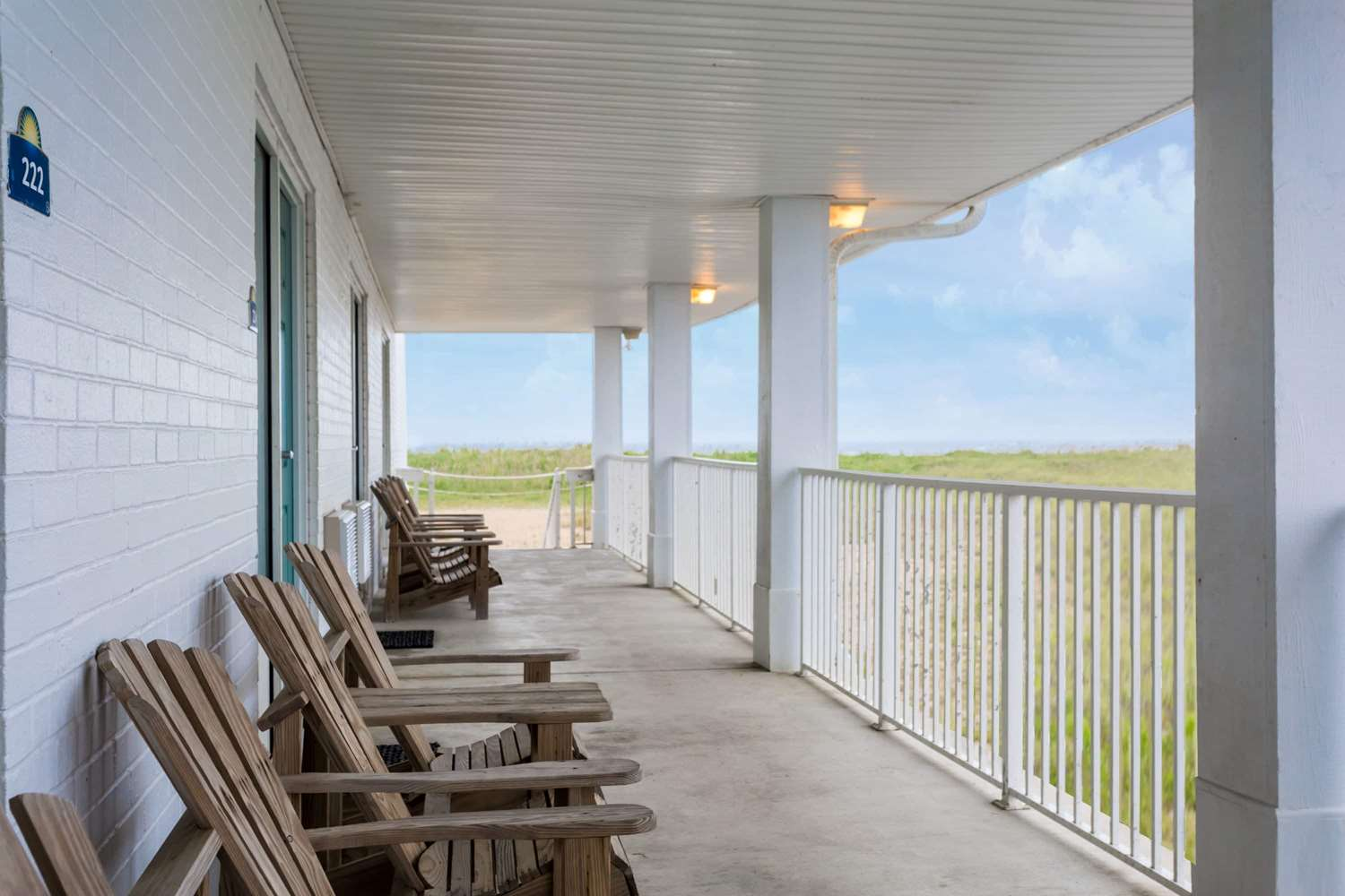 Exterior view - Days Inn Oceanfront Wright Brothers Kill Devil Hills