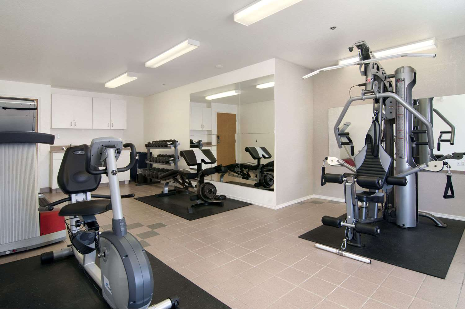 Fitness/ Exercise Room - Travelodge Brooks