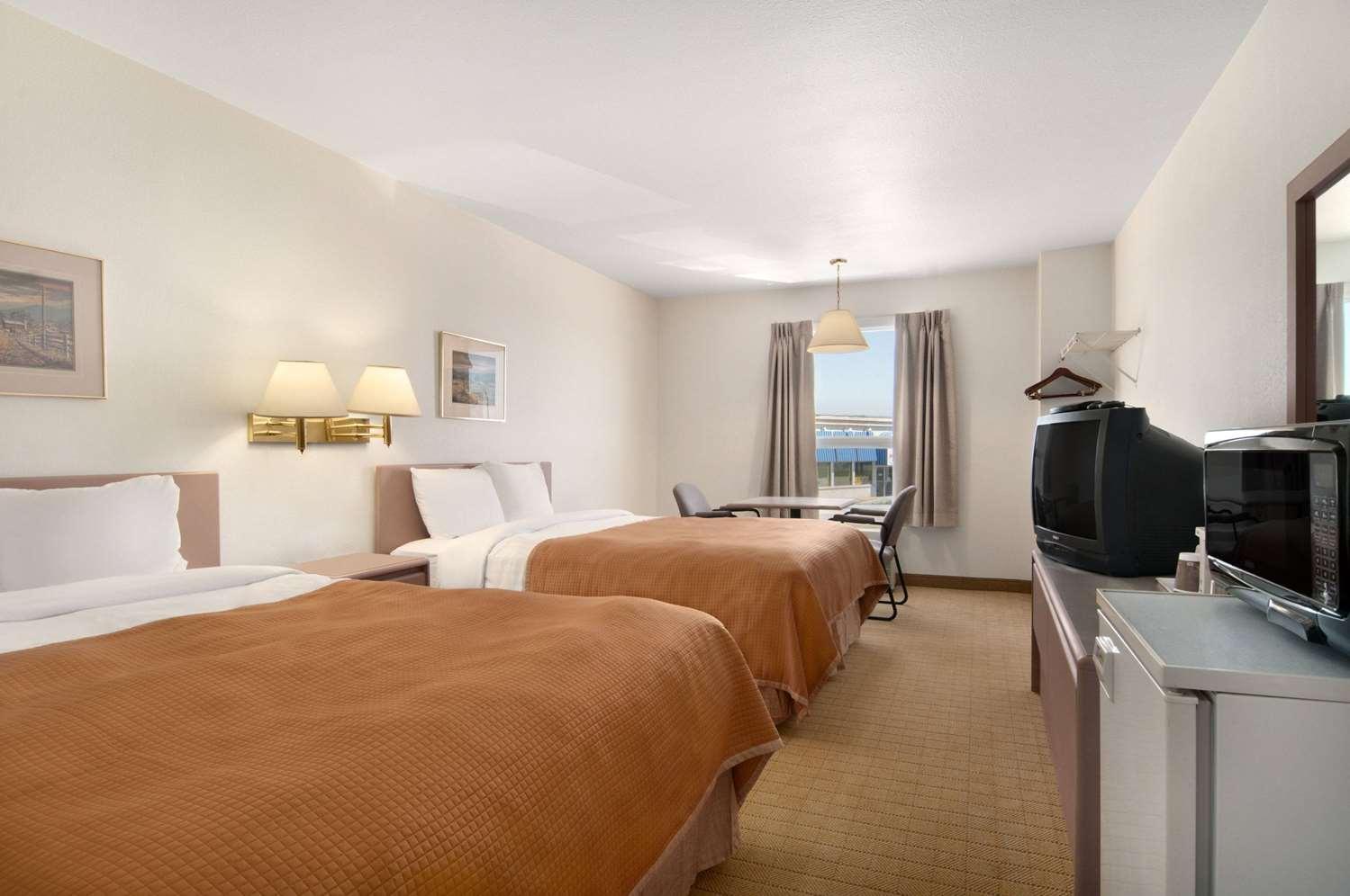 Room - Travelodge Brooks