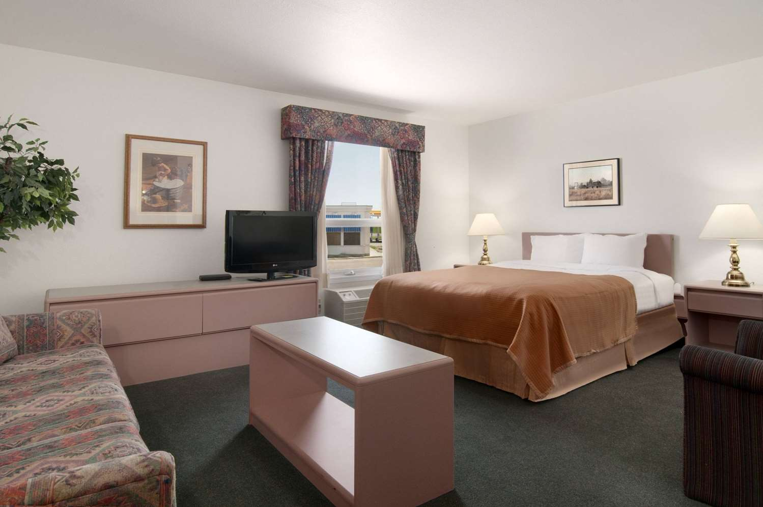 Suite - Travelodge Brooks