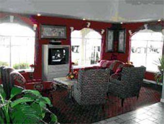 Lobby - Days Inn Wagoner