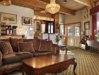 Lobby - Days Inn Lewisburg