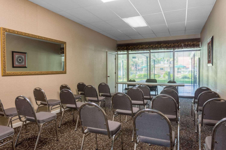 Meeting Facilities - Days Inn Leesville