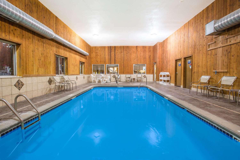Pool - Days Inn Evansdale