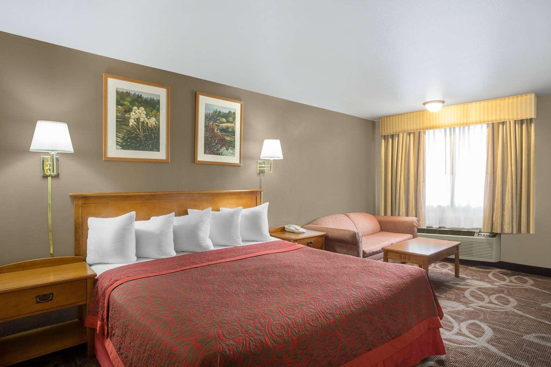 Room - Days Inn Provo
