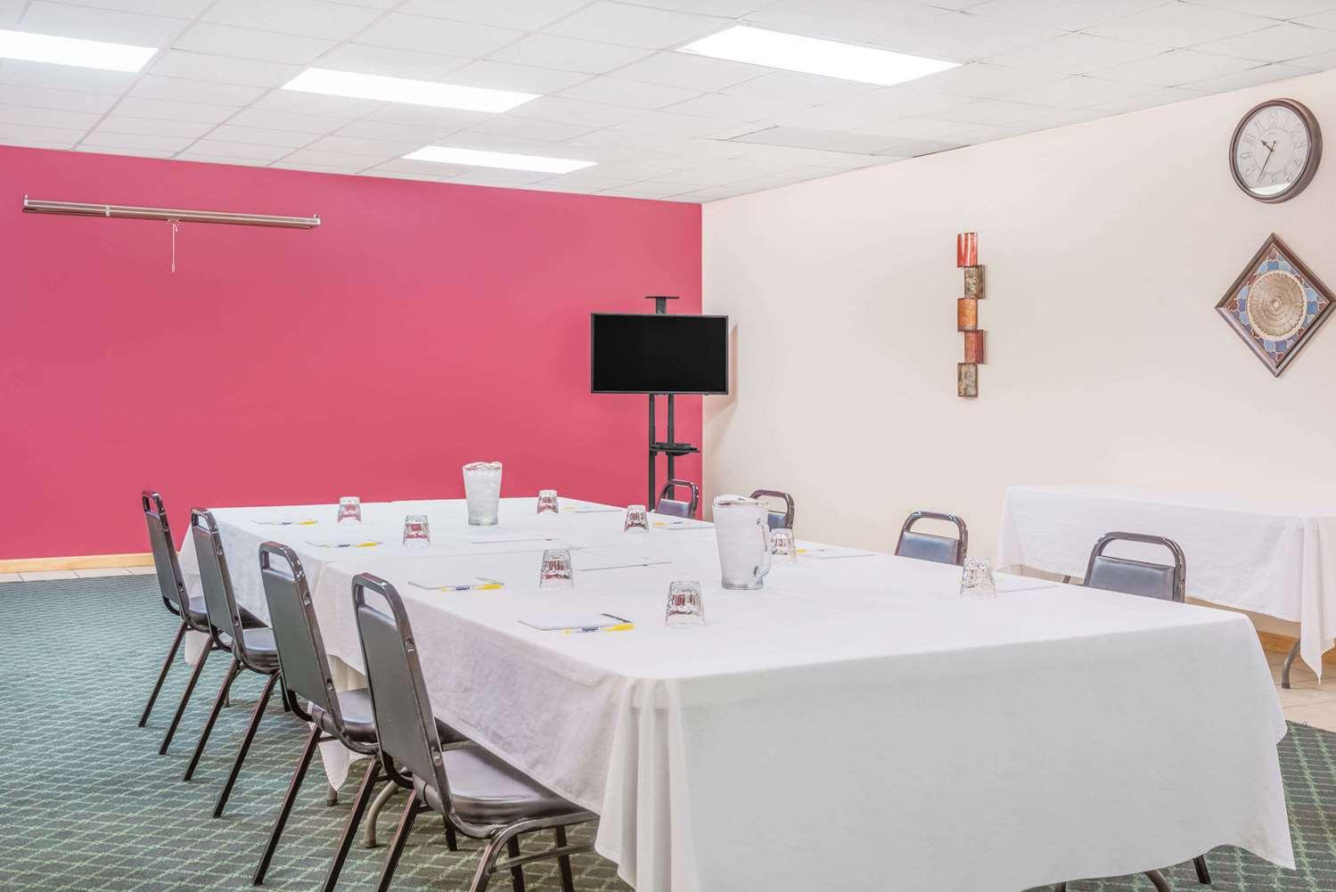 Meeting Facilities - Days Inn St Clairsville