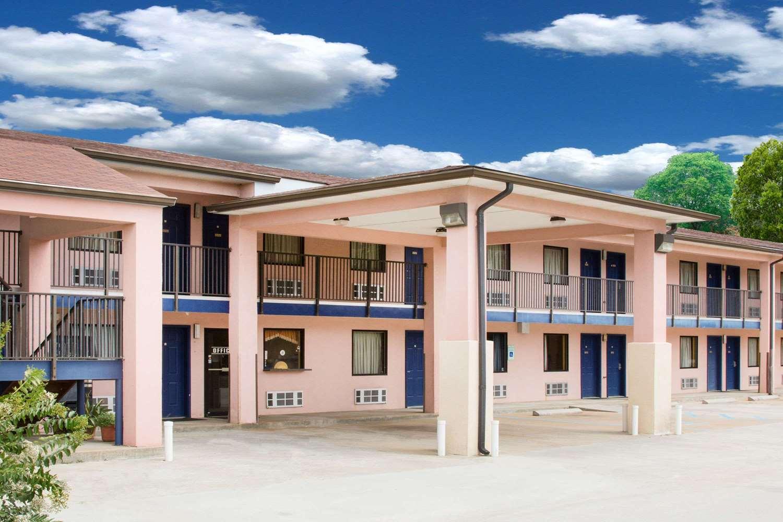 Exterior view - Days Inn Camilla