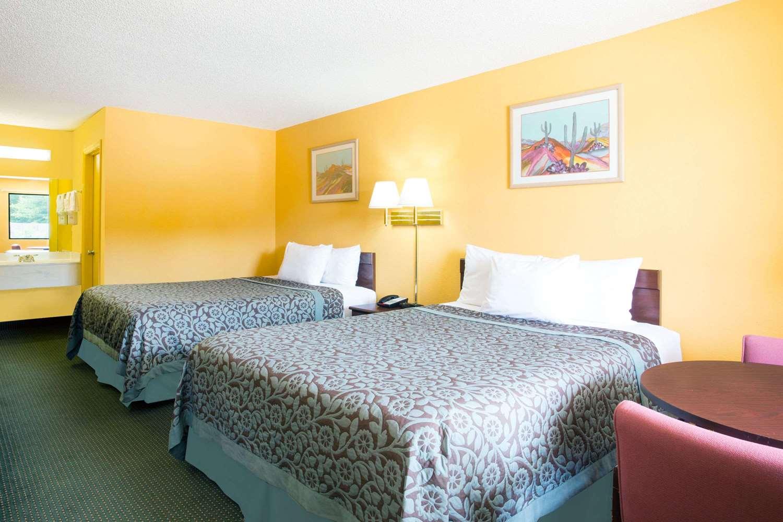 Room - Days Inn Camilla