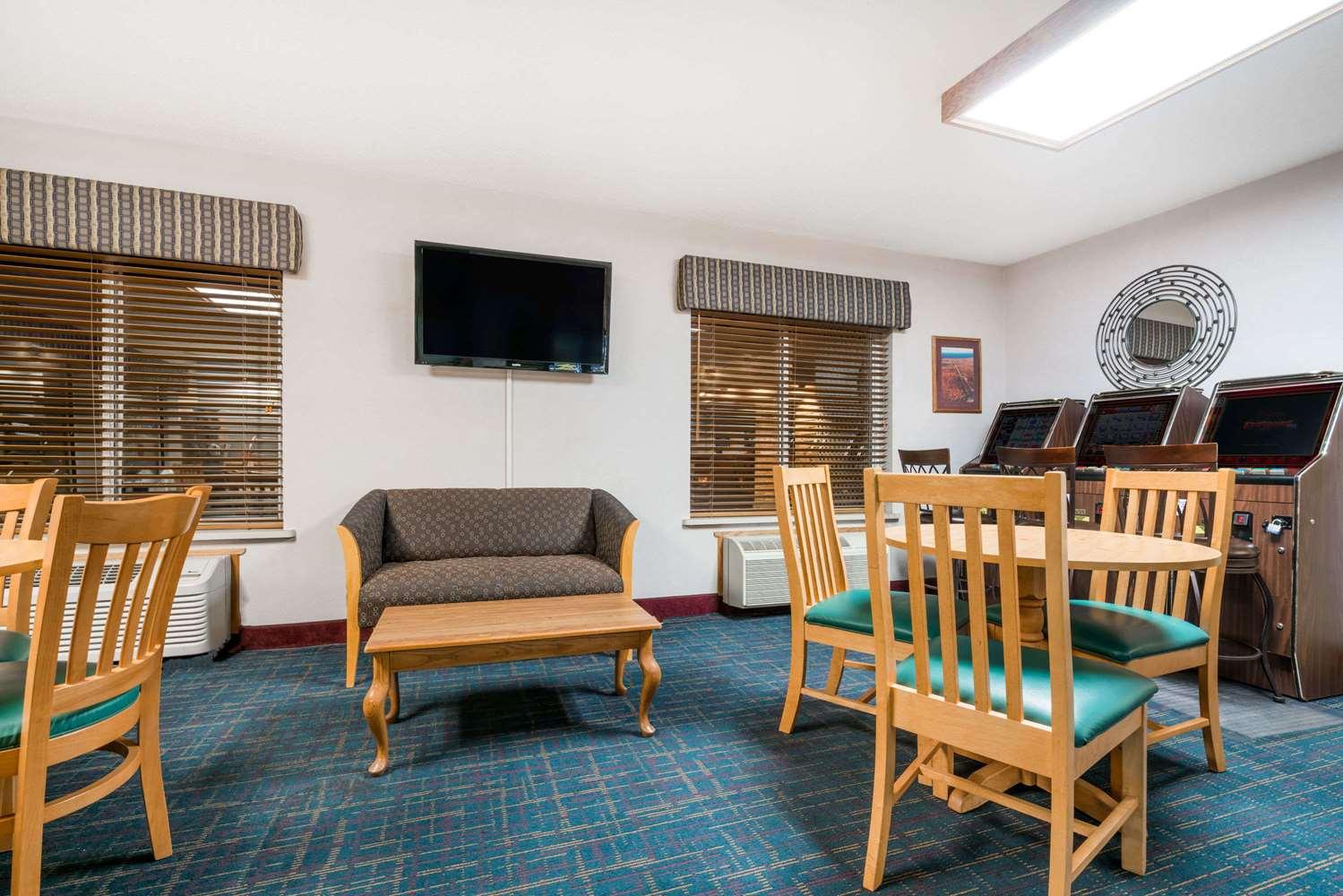 Lobby - Days Inn Hurley