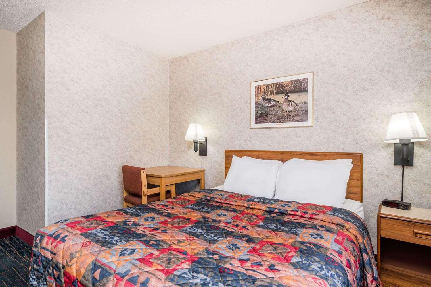 Room - Days Inn Hurley
