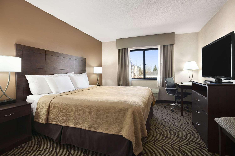 Suite - Days Inn Grand Forks