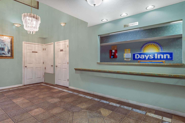 Lobby - Days Inn Windcrest San Antonio