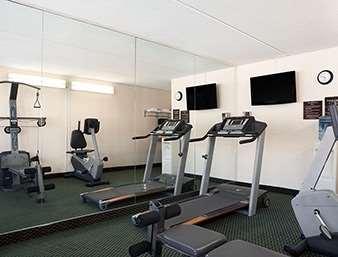 Fitness/ Exercise Room - Days Inn Somerset