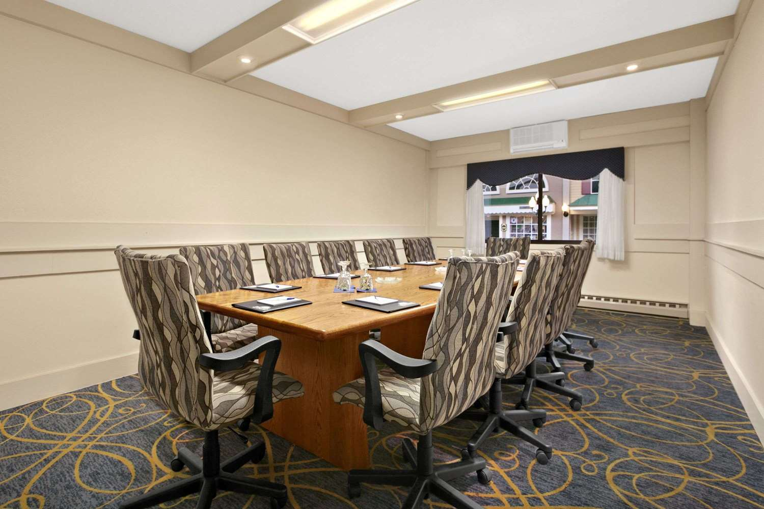 Meeting Facilities - Days Inn State College