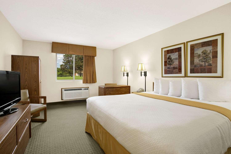 Room - Days Inn I-90 Rapid City