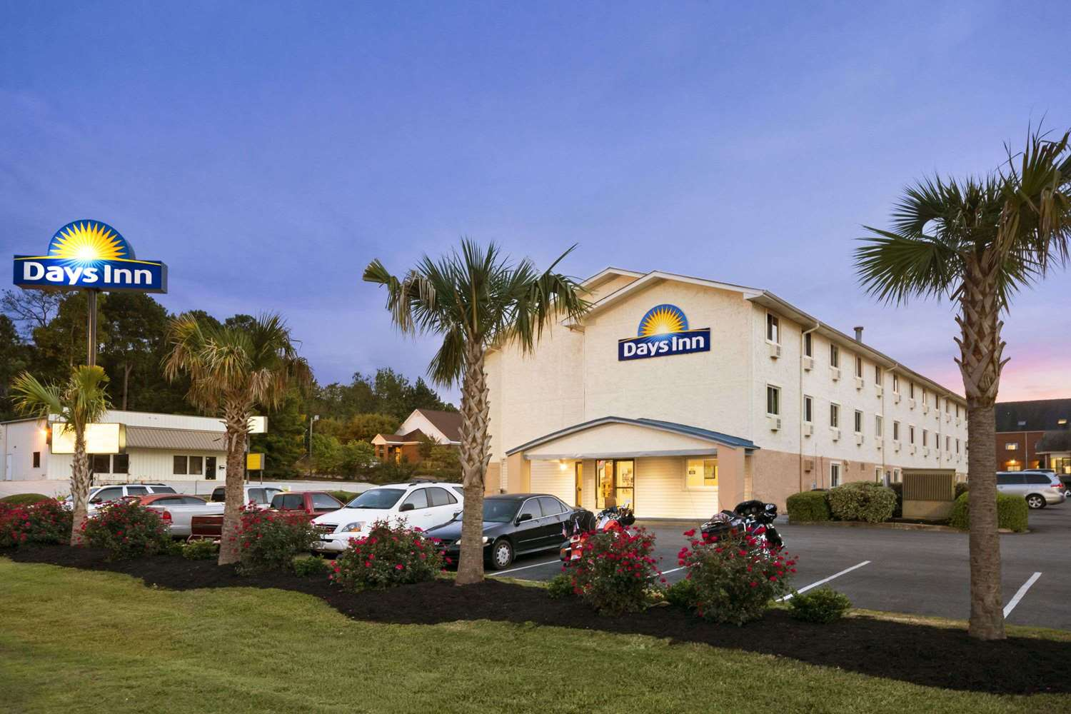 Exterior view - Days Inn Greenwood